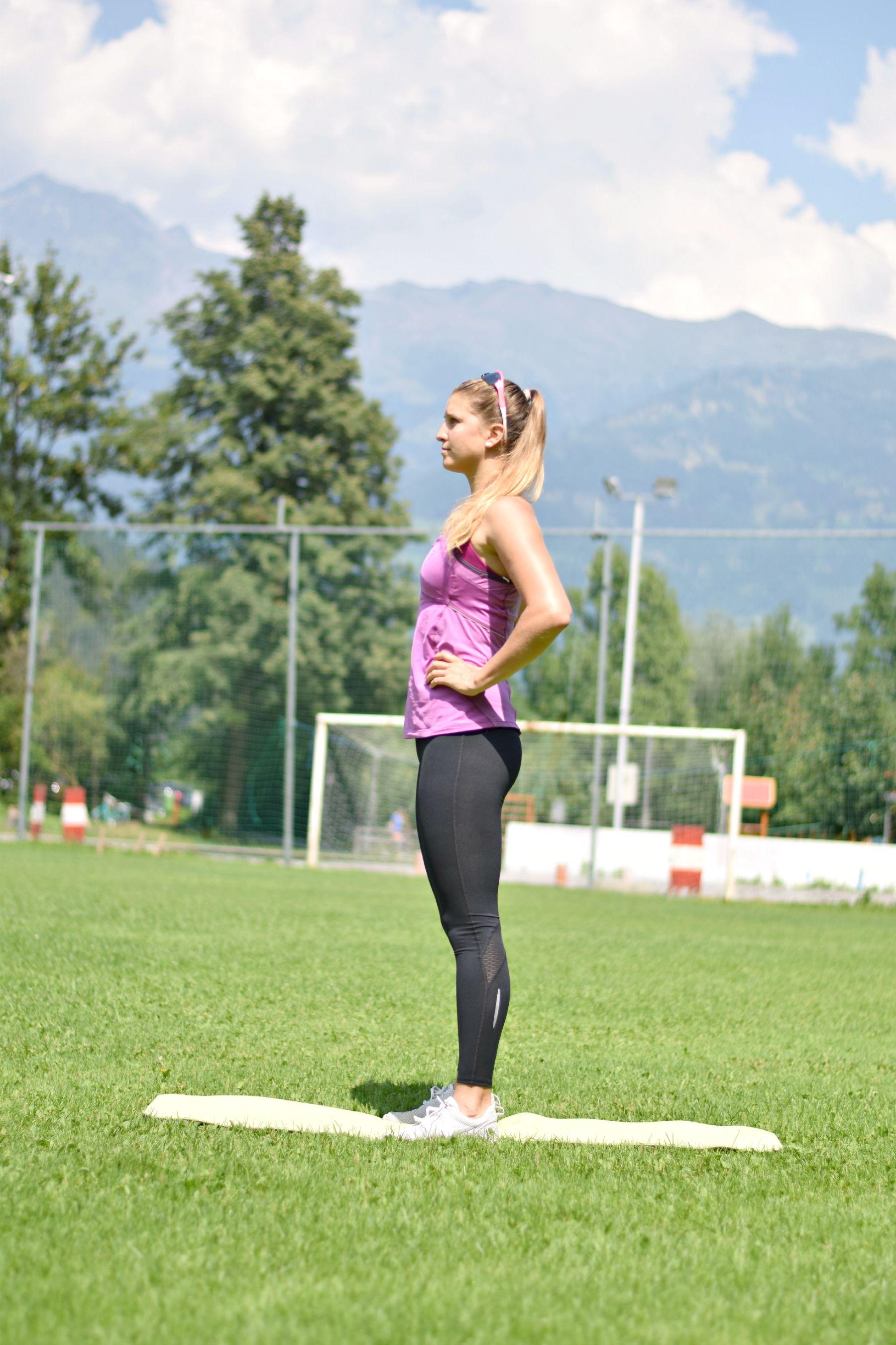 Tag 1 FIT: Home Workout - Beine & Po / HAPPY Self love - KlaraFuchs.com