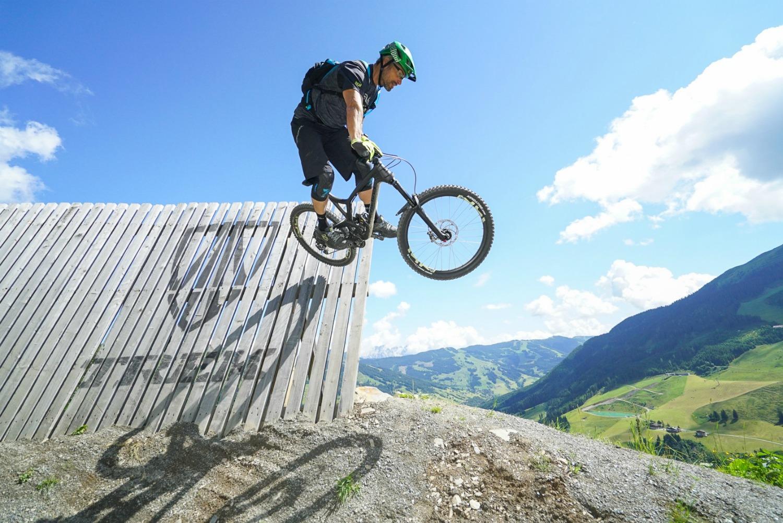 Klara-fuchs-womens-bike-camp-saalbach-frauen-fitness-fitnessblog-downhill-bike-1